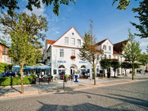 Aussenansicht Wilhelms Restaurant im Neptun Hotel Kuehlungsborn